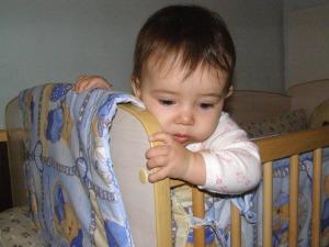 Ce să-i dau bebeluşului pentru durerile de gingii?